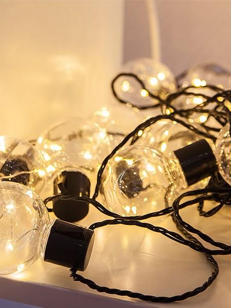 Светодиодная гирлянда - белт-лайт лампы 60мм с серебряными диодами. Цвет тепло-белый