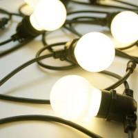 Светодиодная гирлянда - резиновый белт-лайт с молочными лампами 50мм. Цвет тепло-белый
