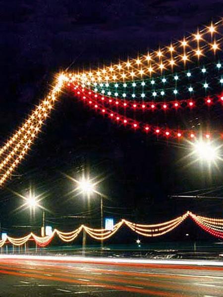 Управляемая световая перетяжка из  белт-лайта RGB с лампами 50мм с пультом ДУ 30м