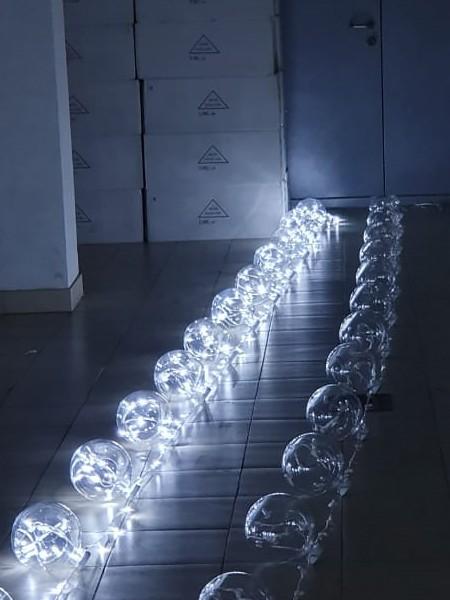 Перетяжка 12В на прозрачном проводе: 10м, 12 шаров, d=180мм, белая