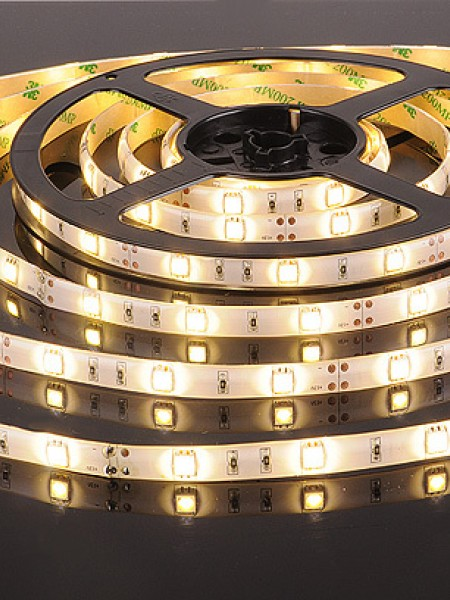 Светодиодная лента LUX герметичная 5050 30 диодов теплая белая