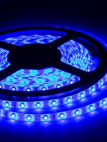 Светодиодная лента LUX герметичная 3528 60 диодов синяя