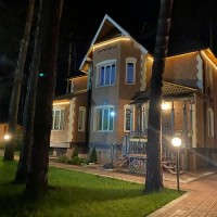 Архитектурное оформление зданий - неон, прожектора