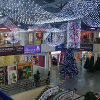 Праздничное оформление торговых центров