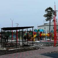 Современные фонари для освещения детских площадок