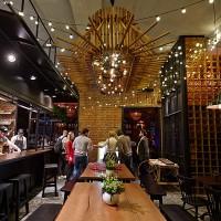 Светодиодные гирлянды в кафе KOOK