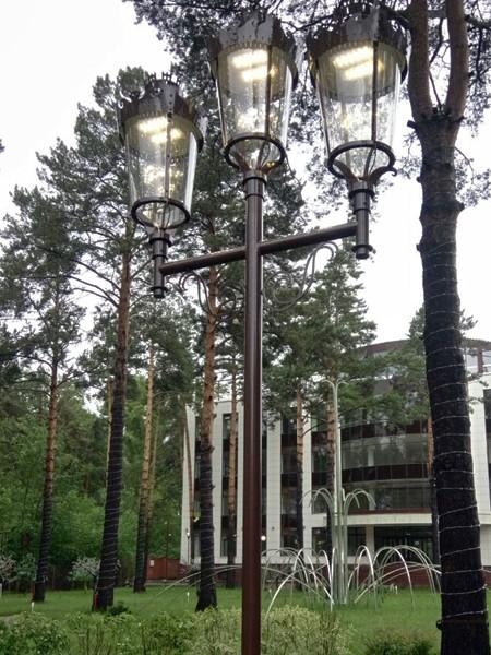 ALS Париж-3 фонарь с LED-источником, h=5м, трехрожковый с декором