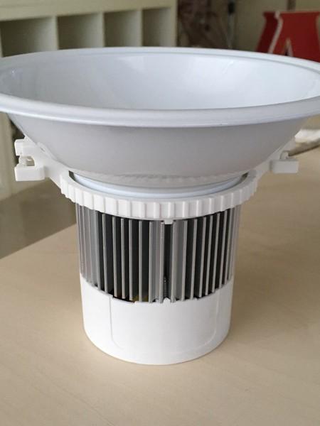 Встраиваемый светильник CREE 65 9Вт 630Lm 2500-2800К